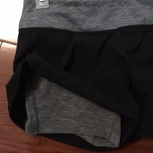 Mountain Hardwear Shorts - Mountain Hardwear shorts work out black small